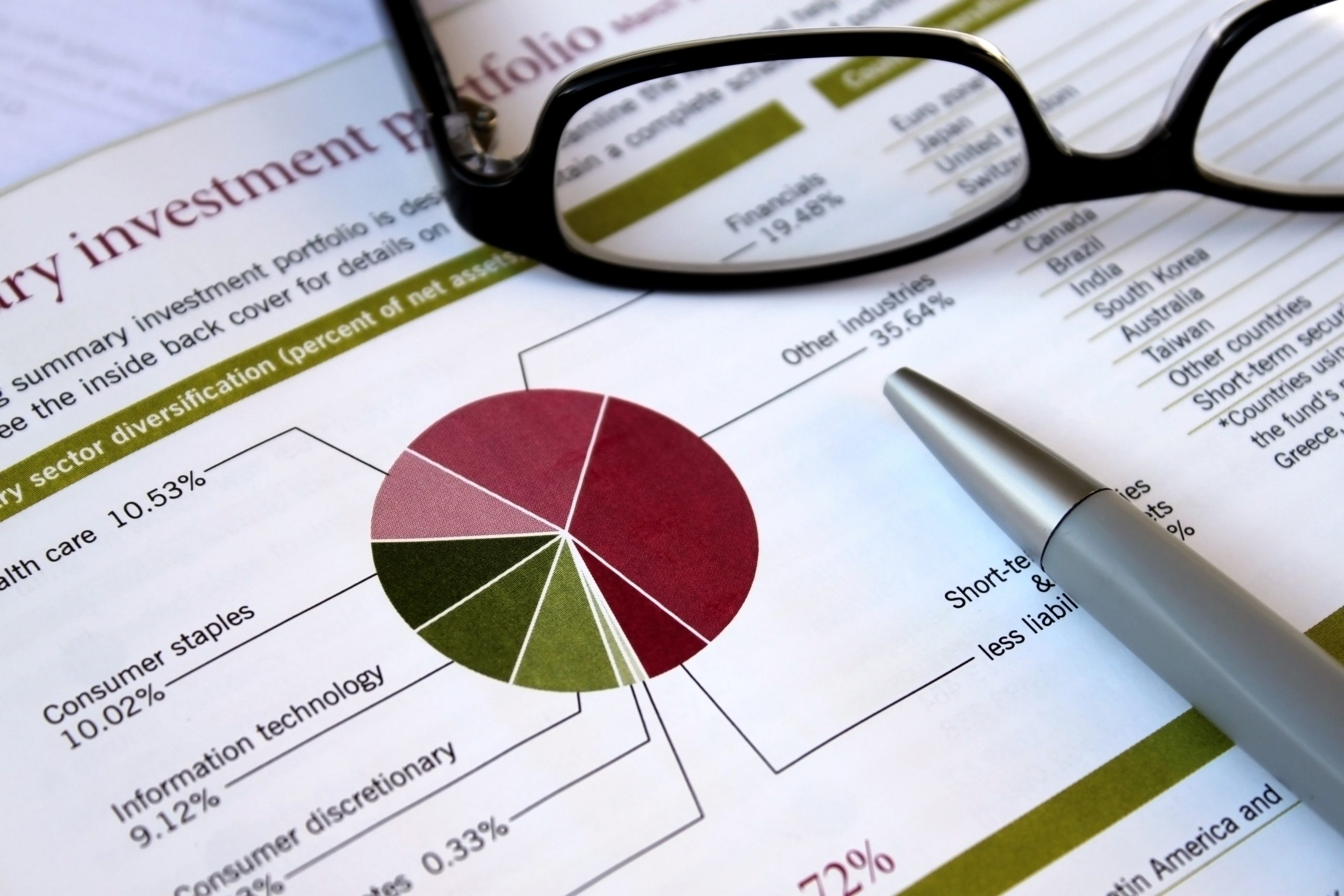 Retirement Planning Consultants discuss the benefits of dimensional funds and vanguard